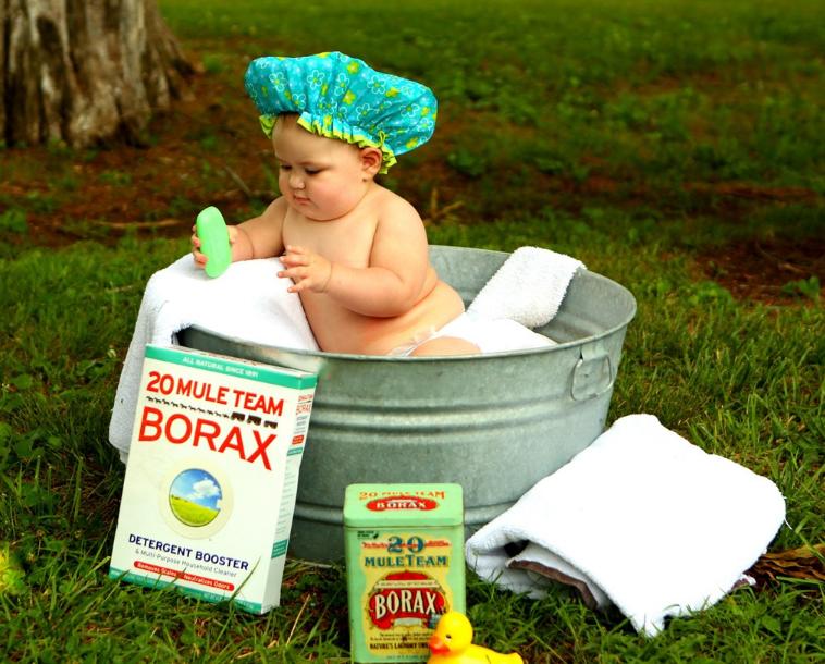 宝宝在外面玩弄脏了可以用清洁剂吗 给宝宝用清洁剂洗脸怎么洗