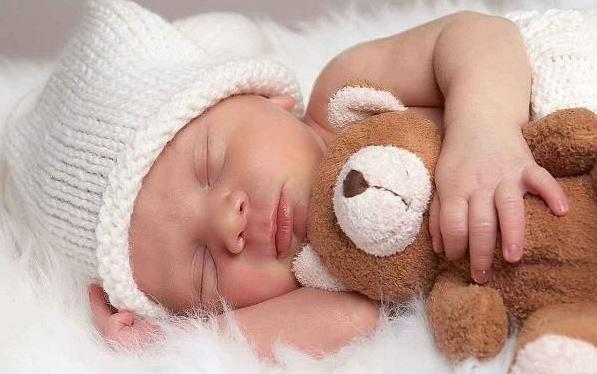 宝宝眼睛有眼屎是上火了吗 宝宝泪道堵塞怎么护理