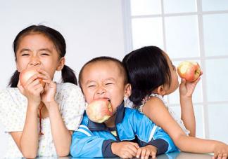 宝宝苹果辅食怎么做 适合宝宝吃的苹果怎么选