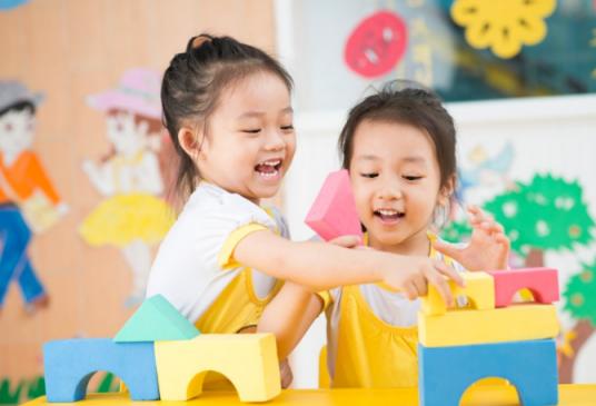 【去幼儿园接孩子应该怎么说】去幼儿园接孩子应该怎么做 去幼儿园接孩子注意事项