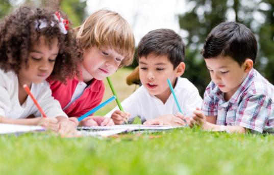 【两岁宝宝要学会什么启蒙知识呢】两岁宝宝要学会的生活技能 2岁宝宝的早教内容
