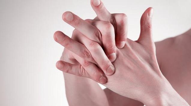 孕晚期手指关节痛是怎么回事 孕晚期手指关节痛怎么缓解