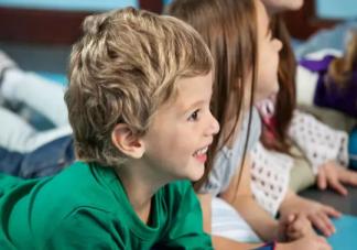 孩子在幼儿园被冷落怎么办 孩子幼儿园被冷落的原因