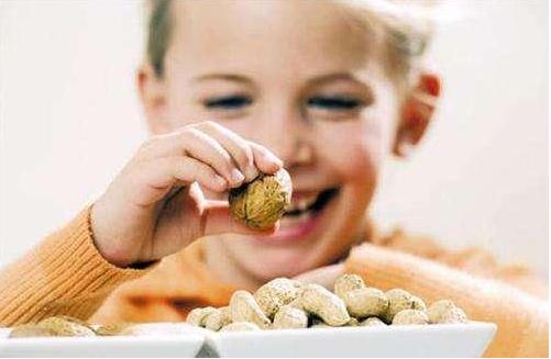 孩子多大可以吃坚果 孩子吃坚果要注意什么