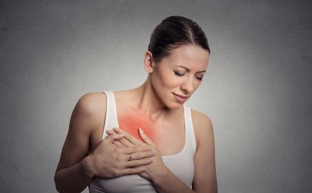 哺乳期乳腺炎需要去医院吗|哺乳期乳腺炎需要坚持母乳喂养吗 乳腺炎吃药还能哺乳吗