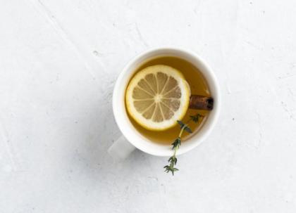 【天气干燥孕妇可以擦护肤品吗】天气干燥孕妇可以喝什么茶下火 适合孕妇喝的茶