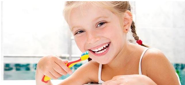 [什么牙膏不含氟]什么牙膏不要给孩子用 孩子用什么牙膏好