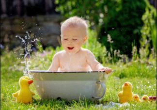 入春再脏这几个地方不要给孩子洗 春季给孩子洗澡要注意什么