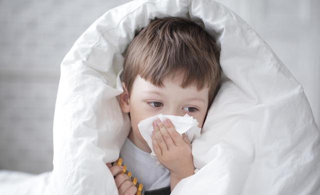 孩子流清鼻涕是寒感冒黄鼻涕是热感冒吗 孩子感冒流鼻涕怎么办