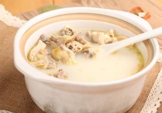 产后可以喝公鸡汤吗 产后喝公鸡汤还是母鸡汤