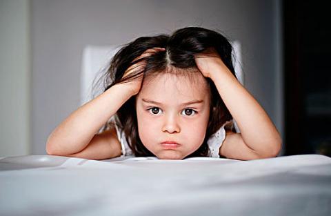 【父母当孩子面吵架后怎么办】父母当孩子面吵架后如何补救 当孩子面吵架后怎么办