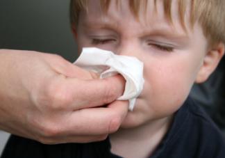 孩子接种了疫苗就不会患肺炎了吗 加湿器肺炎该如何正确使用加湿器