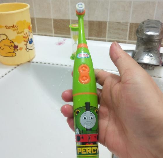 托马斯电动牙刷好不好用 托马斯电动牙刷使用测评