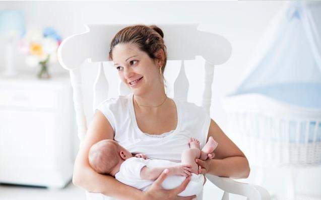 宝宝一天喂几顿才最健康 如何科学喂养宝宝