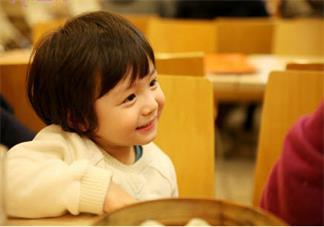 孩子的头发特别的少是什么原因 是缺维生素导致的头秃吗