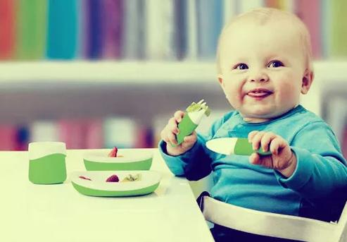逼孩子吃饭的危害 怎么样才能让孩子好好吃饭