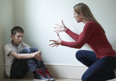 打骂教育孩子会带来什么样的后果 打骂孩子孩子会自卑吗