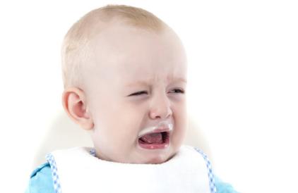 宝宝肠绞痛一直哭闹怎么办 新生儿肠绞痛是病吗