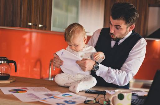 宝宝三岁前都爱撕纸吗 宝宝爱撕纸是什么原因
