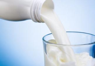 一岁内的宝宝为什么不能喝纯牛奶 宝宝牛奶的摄入量