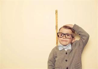 如何知道小孩的身高是不是正常的 孩子身高变化对比