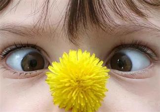 婴幼儿斗鸡眼正常吗 婴幼儿斗鸡眼护理纠正方法