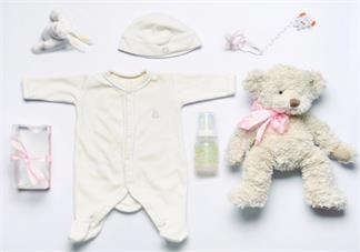 新生儿生活用品怎么准备 怎么合理的给孩子准备婴儿装