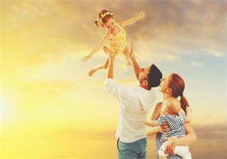 家里生二胎怎么开导老大 怎么让2-4岁宝宝接受二胎宝宝
