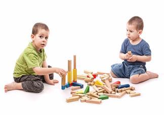 孩子三岁还是不说话是什么原因 三岁孩子只会说爸爸妈妈