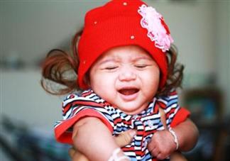 小孩喉咙痒咳嗽怎么护理 小孩喉咙痒咳嗽原因