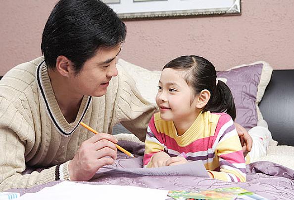 一岁后的宝宝怎么喂养|一岁后的宝宝怎么引导教育 1岁后宝宝引导教育方法