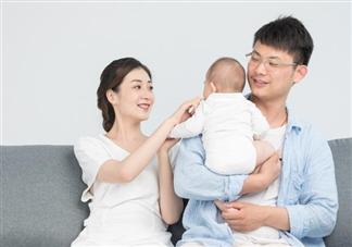 抱宝宝的正确姿势是什么 不同月龄抱宝宝的姿势