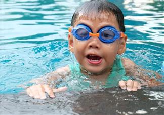 孩子有哮喘可以游泳吗 哮喘孩子需要限制运动吗