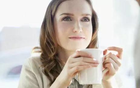 哺乳期喝咖啡会回奶吗 哺乳期什么时候适合喝咖啡