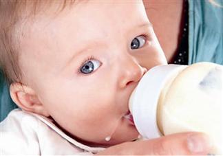 宝宝严重呛奶怎么急救 宝宝严重呛奶急救方法