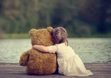 出远门舍不得孩子心情说说 出远门舍不得孩子的心情句子