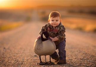 孩子矮小可以用生长激素吗 如何区分孩子是矮小还是晚长
