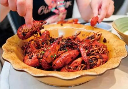 怀孕吃小龙虾能补钙吗 孕妇吃小龙虾能吃虾头吗