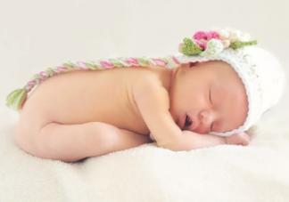 新生儿脐带脱落后多久可以碰水 新生儿脐带如何护理