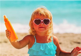怎么判断宝宝是不在中暑了 孩子中暑后怎么处理