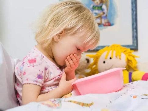 两岁多的小孩可以吃打虫药吗  怎么样能判断宝宝要不要打虫