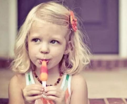 要不要给孩子吃零食业高管|要不要给孩子吃零食 什么样的零食适合宝宝吃