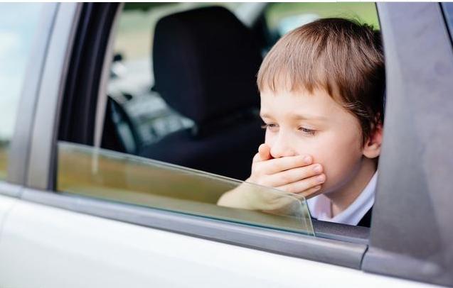 孩子晕车用晕车贴好吗_孩子晕车用晕车药好吗 孩子晕车应该怎么办