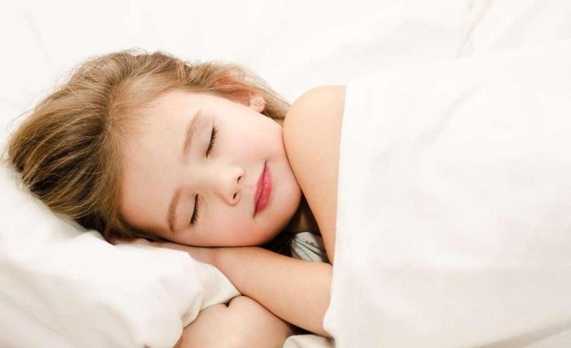 [宝宝应该几岁跟父母分床睡]宝宝应该几岁跟爸爸妈妈分床 分床睡应该几岁比较好