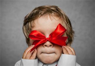自己和老公近视会遗传吗 宝宝视力问题需要关注哪方面
