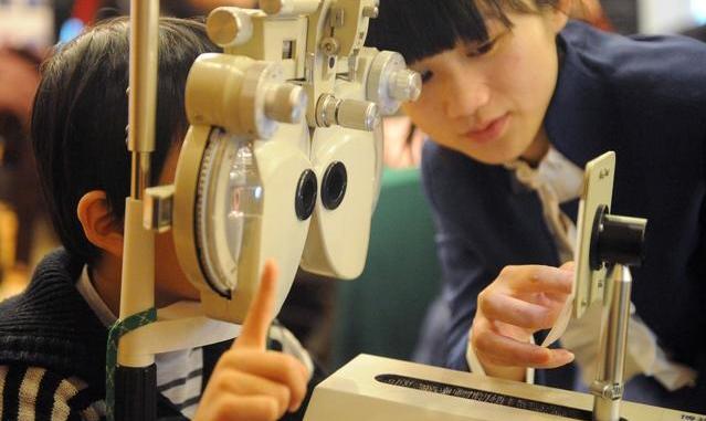 弱视治好后能摘掉眼镜吗 弱视治疗的关键期