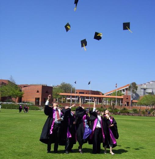 大学毕业聚餐心情感言 大学毕业聚餐发什么好