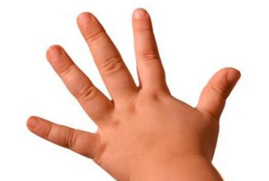 宝宝剪指甲不配合怎么办 如何帮助宝宝剪指甲