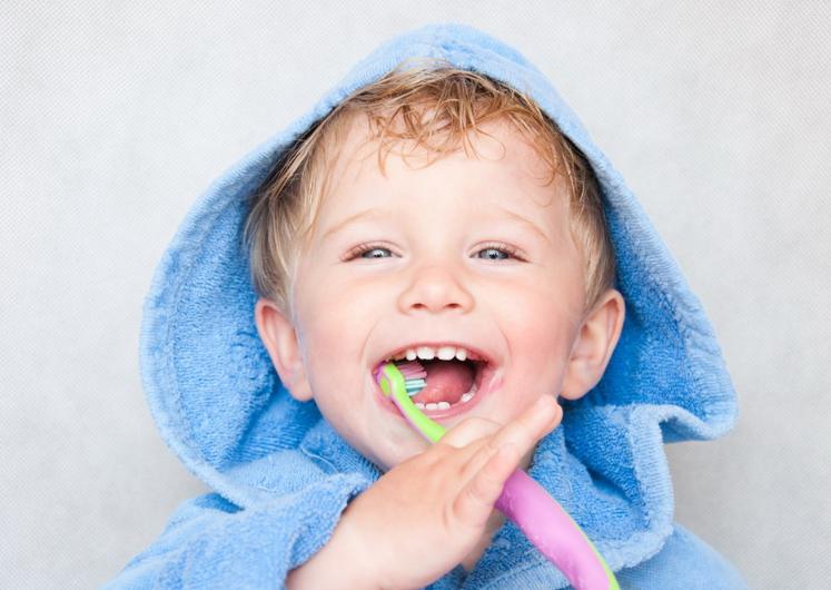 如何保护好宝宝的乳牙 孩子乳牙保护不好有什么影响