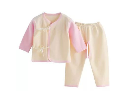 夏季新生儿穿什么衣服比较好 夏季宝宝的衣服怎么选择